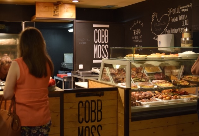 Cobb Moss serves healthy to-go