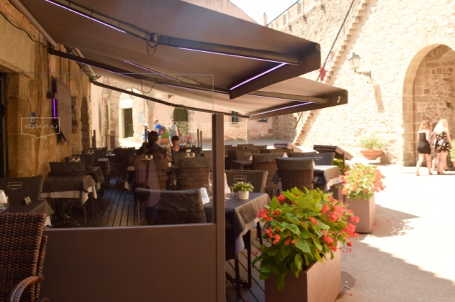 Just inside the walls of Vila-Vella is the welcoming terrace of La Placeta.