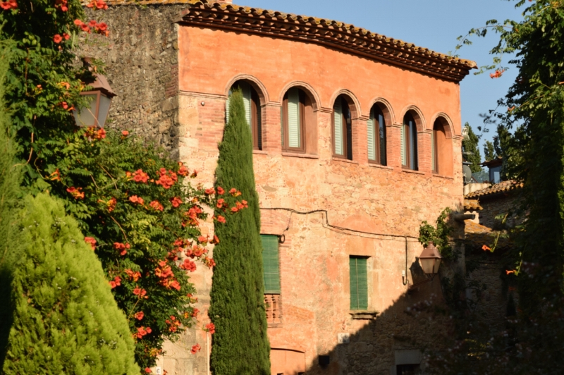 Every street, corner and plaza is a sight to feast your eyes on in Peratallada