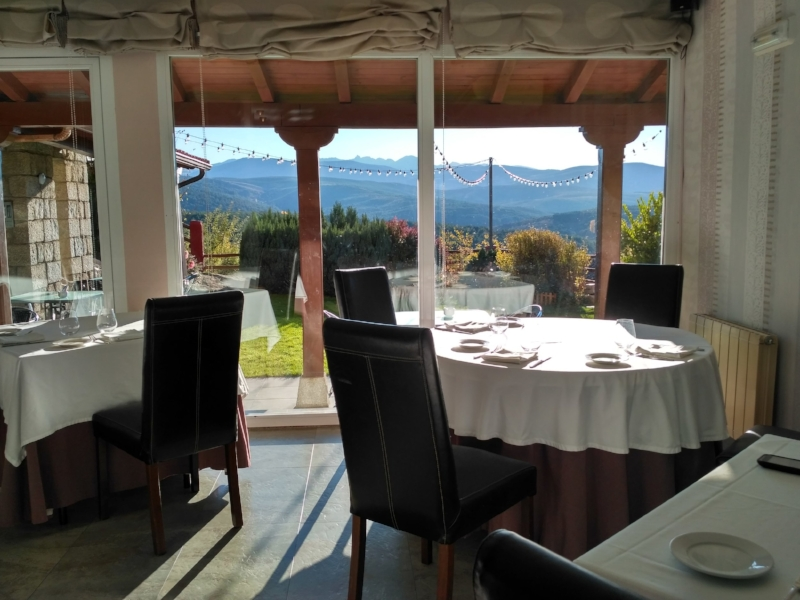 The dining room gives spectacular views of the mountains