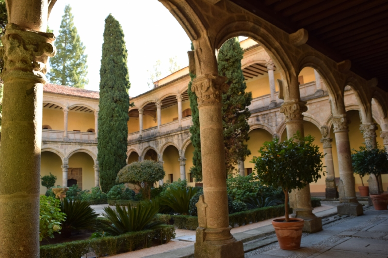 """The """"newer"""" cloister of the Monastery of Yuste"""