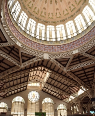 The dome in the central market makes the marketplace light and spacious.
