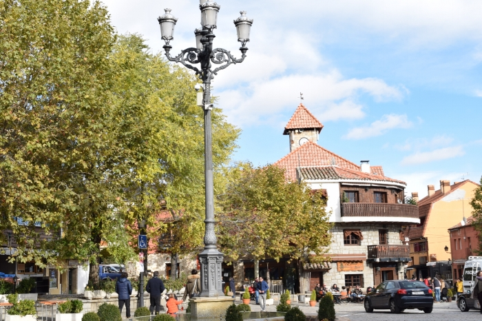 The centre of Navacerrada is very relaxed and caters to pedestrians.
