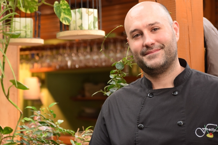 Felipe del Olmo is the 2nd generation in charge of Restaurante Terraza Jardín Felipe restaurant in Navacerrada