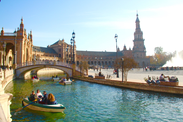 Plaza España is a place you will find locals and tourists alike gather.