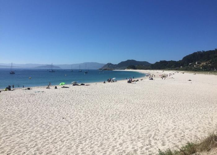 Three off-the-beaten track islands near Vigo, Galicia would be a wonderful spot to spend a get-away.