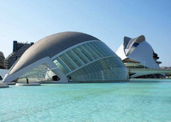Valencia science centre is something right out of a sci-fi movie.