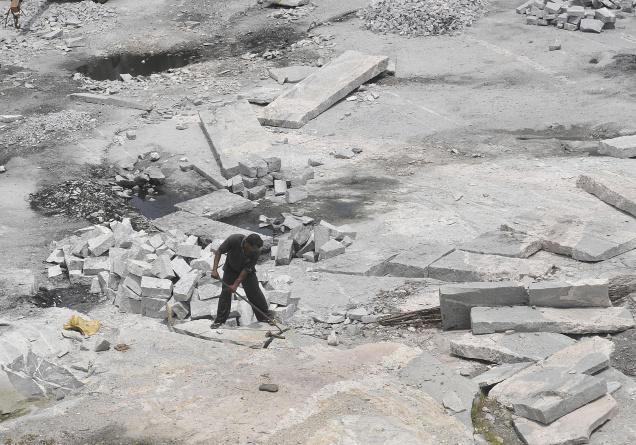 quarrying-hindu.jpg