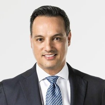 Raúl C.González - BA, DMD, FICOI, FWCMD