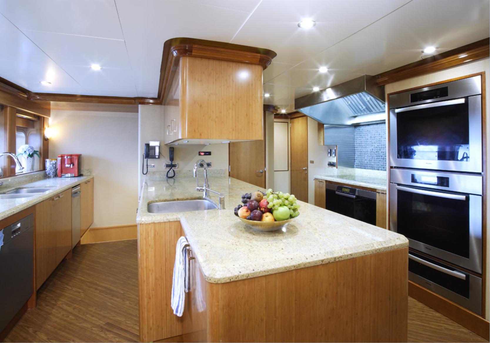 Karen-Lynn-Interior-Design-Yacht-Falcon-48.jpg