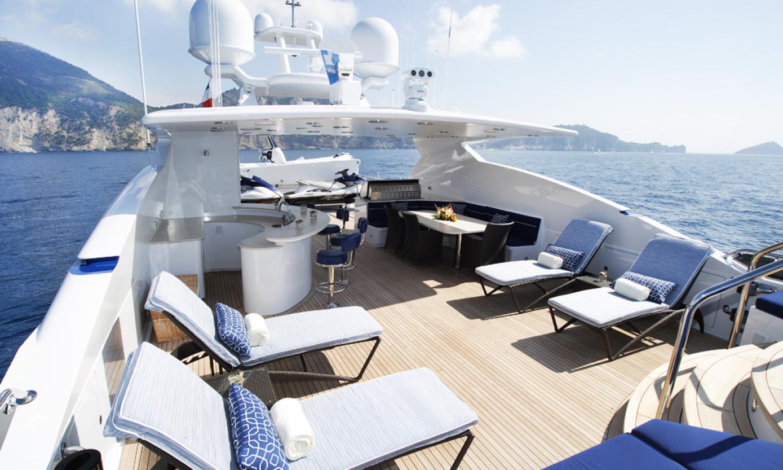 Yacht-Design-Exteriors-and-Beach-Clubs-3.jpg