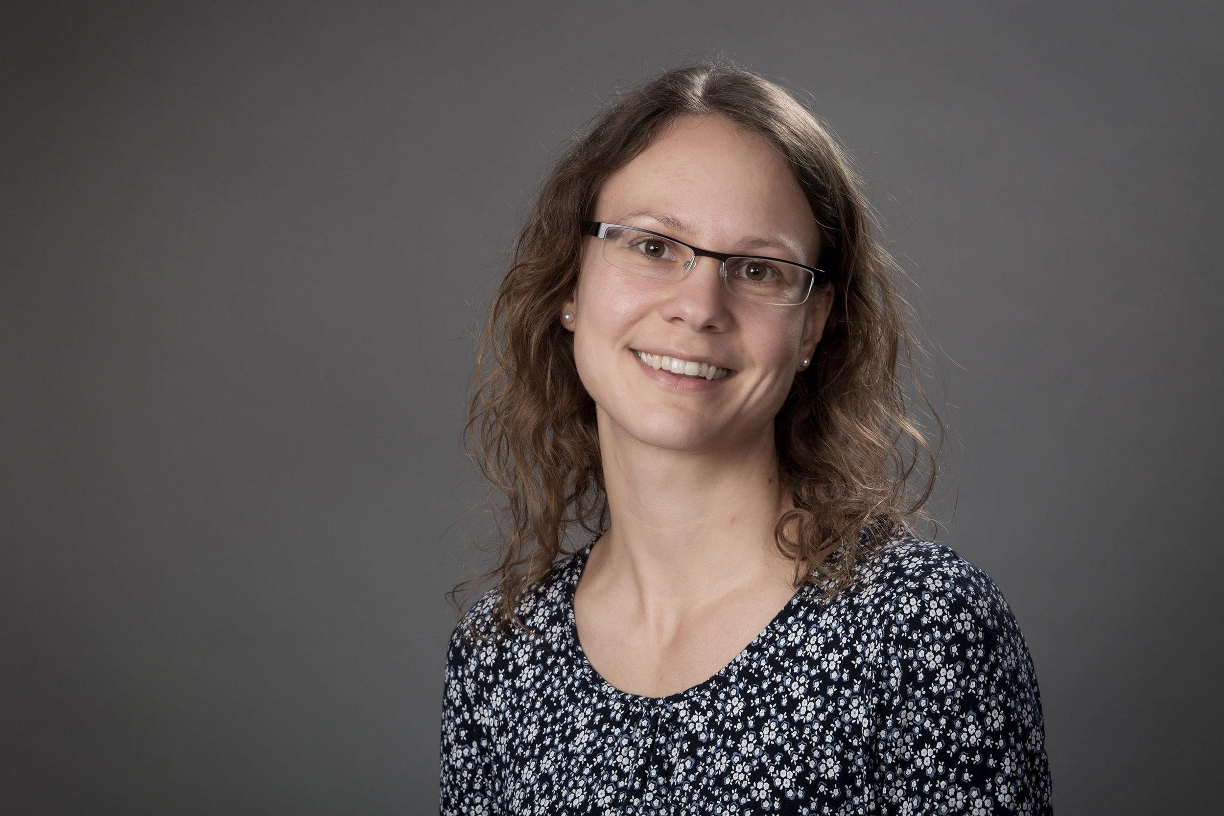 Dr Jana Ross    Research Associate