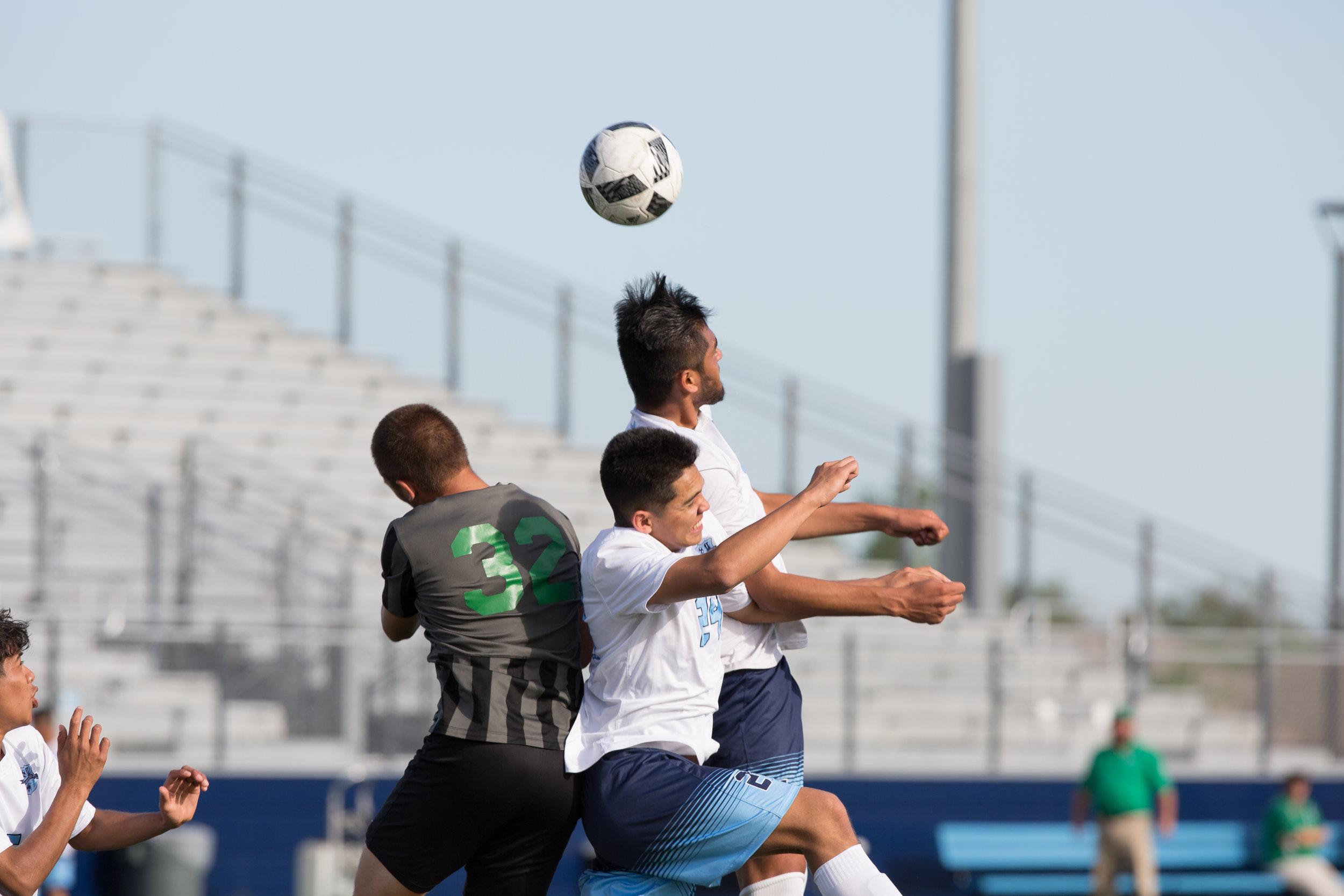 HBHS_soccer_seniors-06.jpg