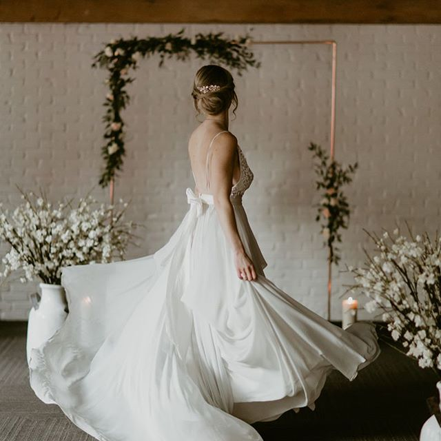 So ecstatic to be a part of the amazing group of vendors that worked on this styled shoot featured on @rockymtnbride (link in bio). Thank you @clearwatereventsvan for coordinating this beautiful project and for the opportunity to showcase the breadth of my creative services💕 • • • • • Photography: @meghanhemstra Production Assistance: @beaucoupdamourevents Stationery: @staymagicalstudios Venue: @loftatearls Cake: @ganacheyaletown Florist: @evvieandolive Rentals: @lonsdalerentals Copper Arbour with Floral: @junebug.events Concrete Diamonds: @mindtheminimal Dress Designer and Shop: @truvellebridal Ring: @leahalx_jewelry Concrete Jewelry: @emsay_studio Hair Sylist: @blendedbyamber Makeup Artist: @alias.makeup Models: @alynchmob @michael_cgm