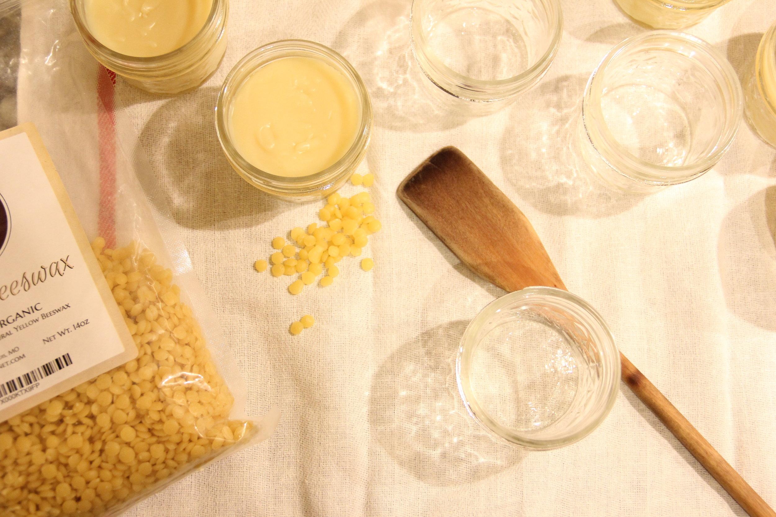 Making wooden kitchenware conditioner