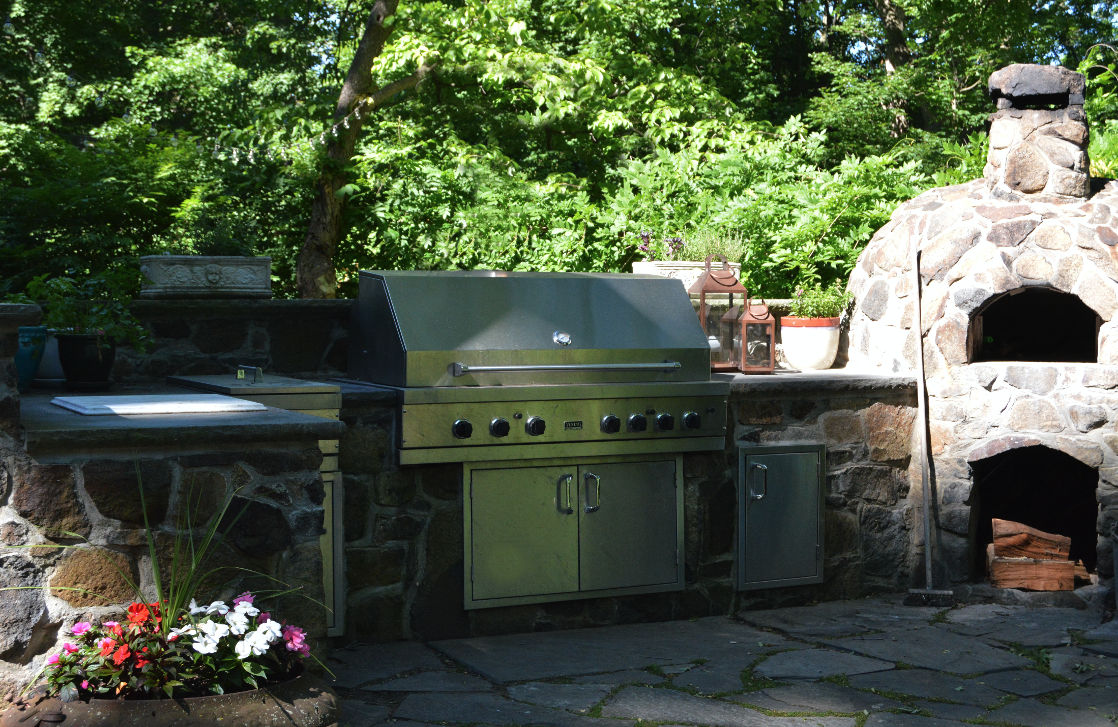 Westchester County, NY outdoor kitchen landscape construction