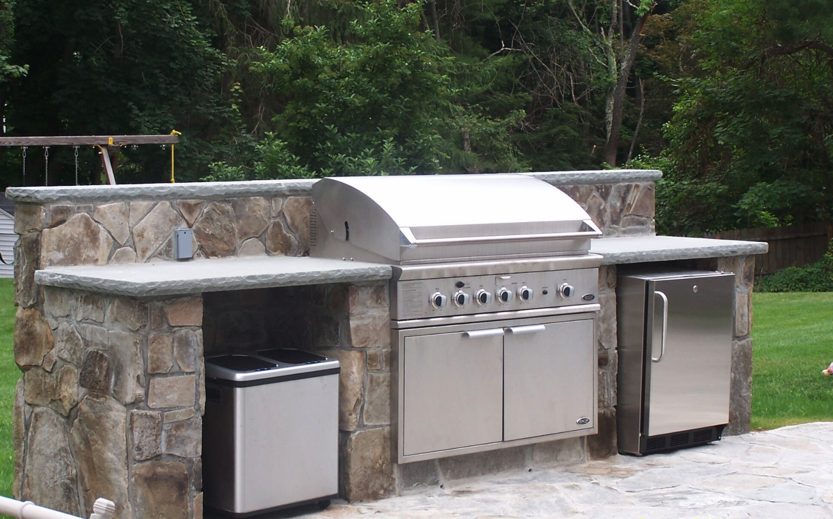 Westchester County, NY swimming pool patio and outdoor kitchen