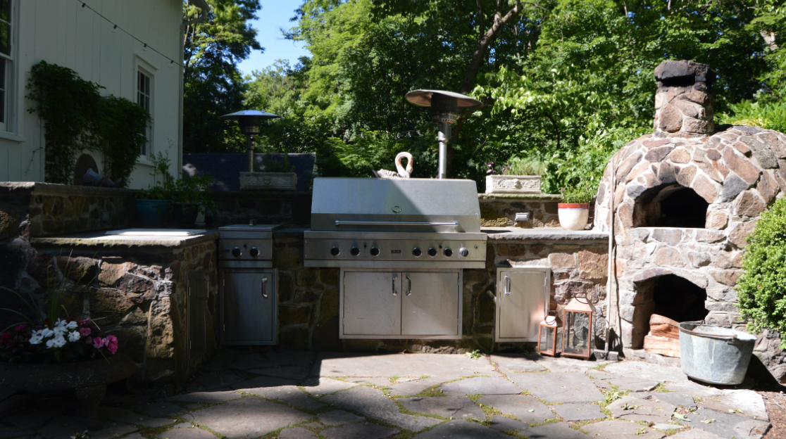 outdoor kitchen must haves in westchester county, ny