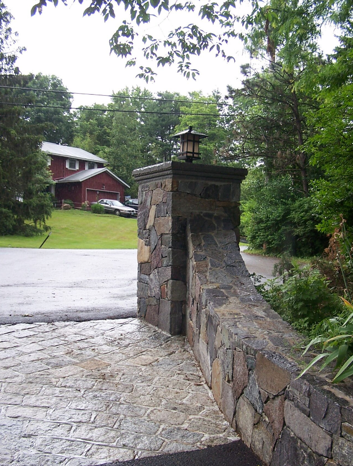 Westchester County, NY driveway skirt and walkway