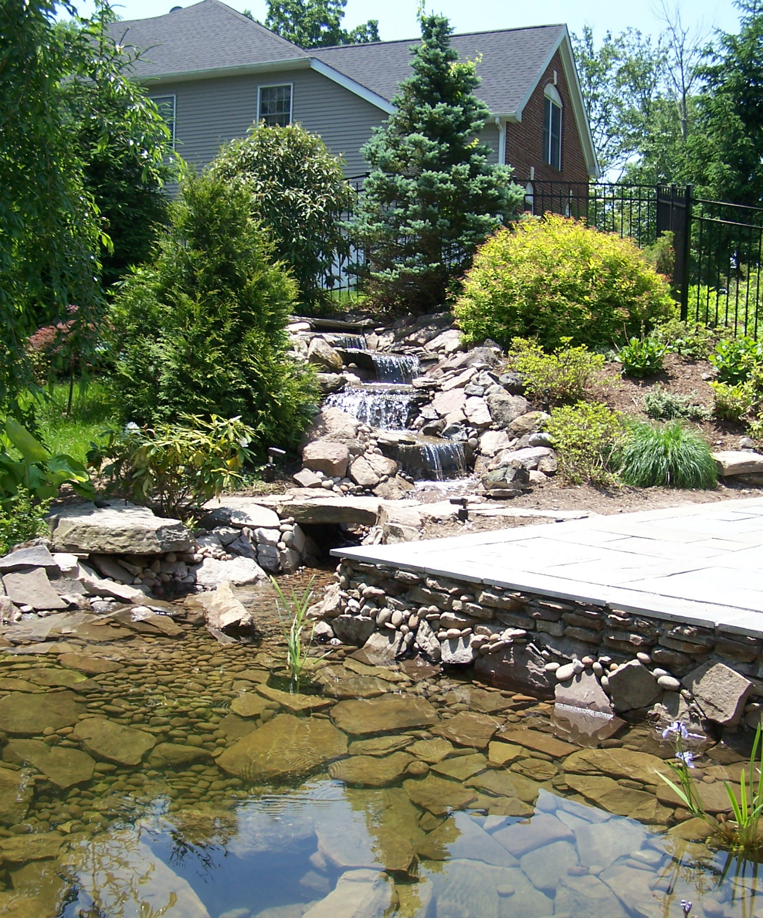 6 Landscape Ideas for Westchester County Side Yards