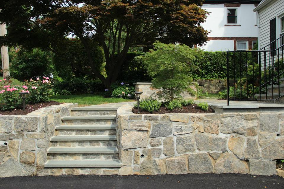 4 Drainage Solutions that Complement your Cortlandt Manor NY Landscaping