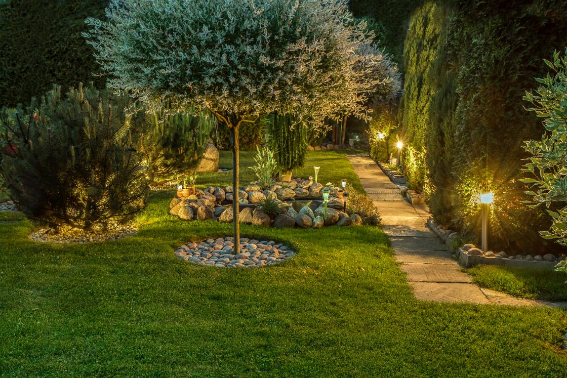 6 Ways to Utilize Lighting to Enhance your Croton NY Landscape