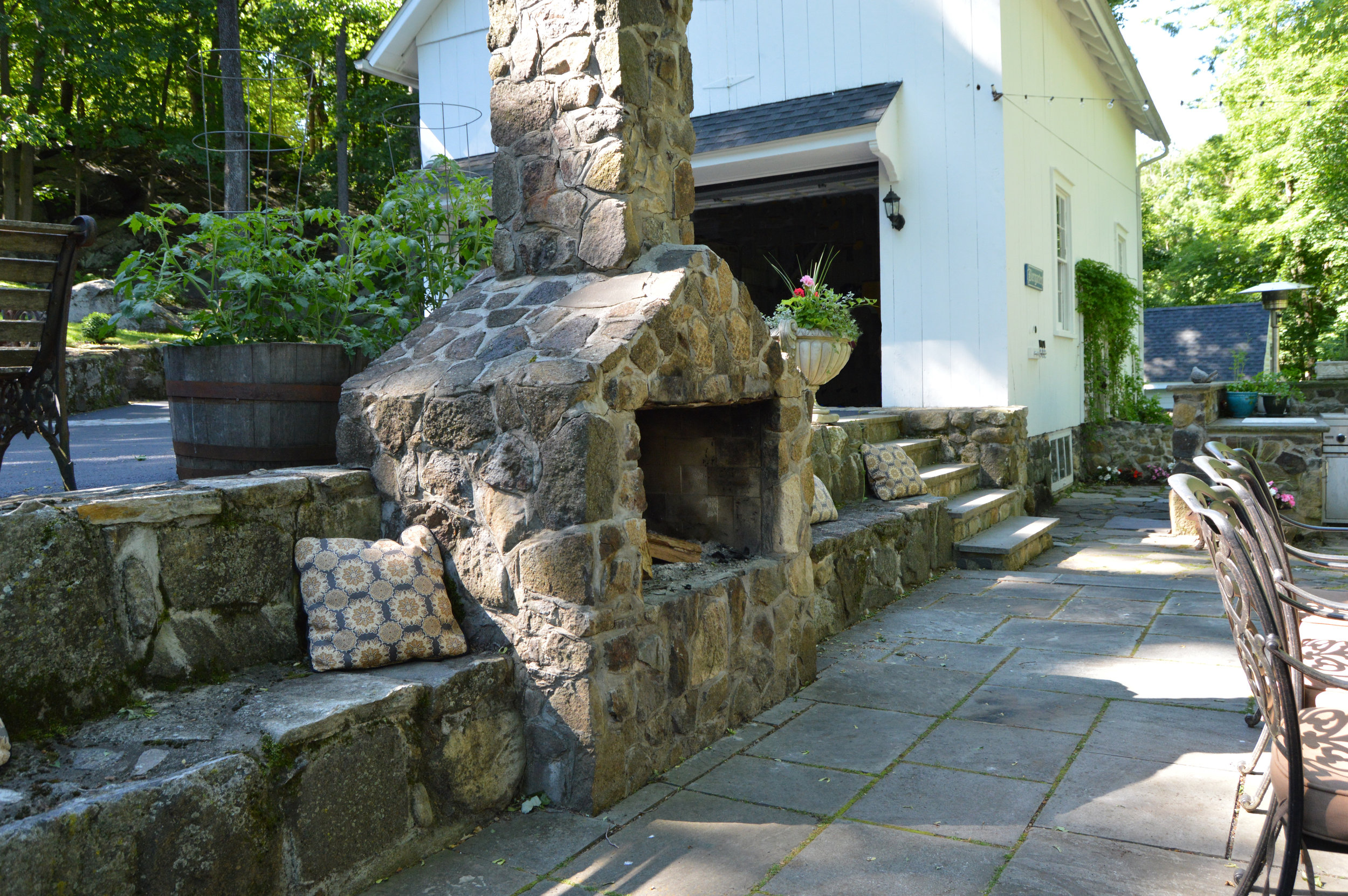Add Visual Interest to Your Outdoor Kitchen with Natural Stone Masonry in Briarcliff Manor, NY