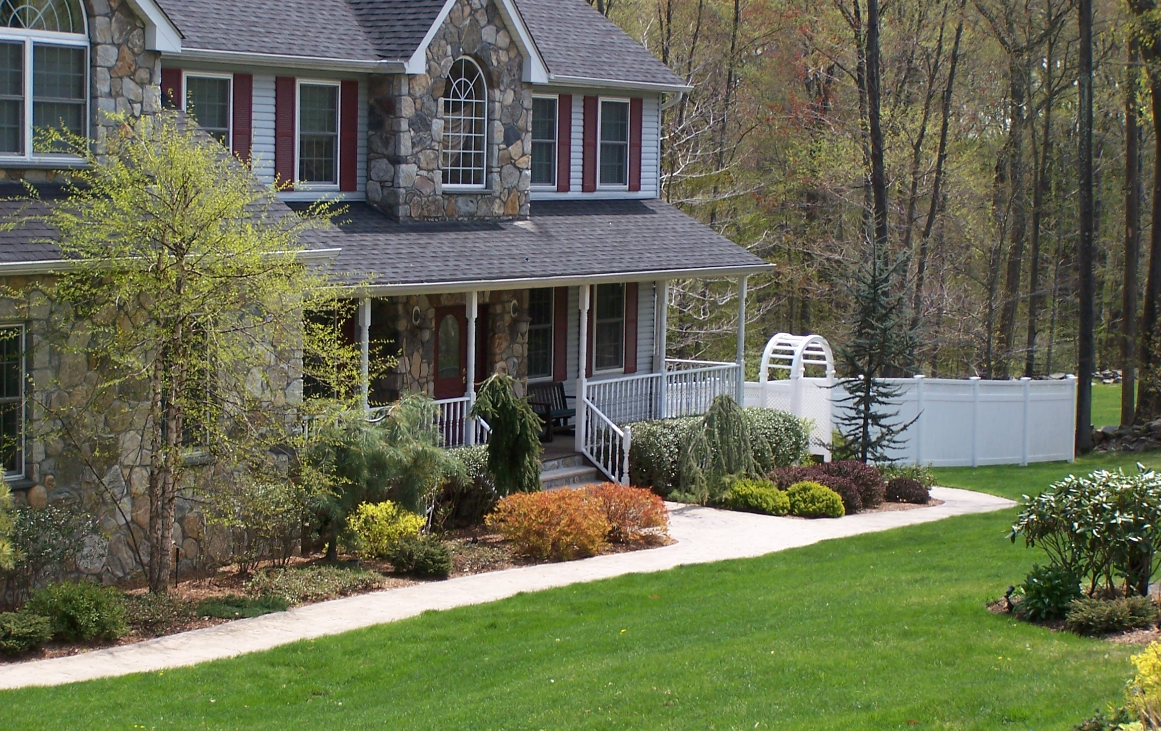 Why It Isn't Too Late to Sign Up for a Lawn Care and Maintenance Service in Peekskill, NY