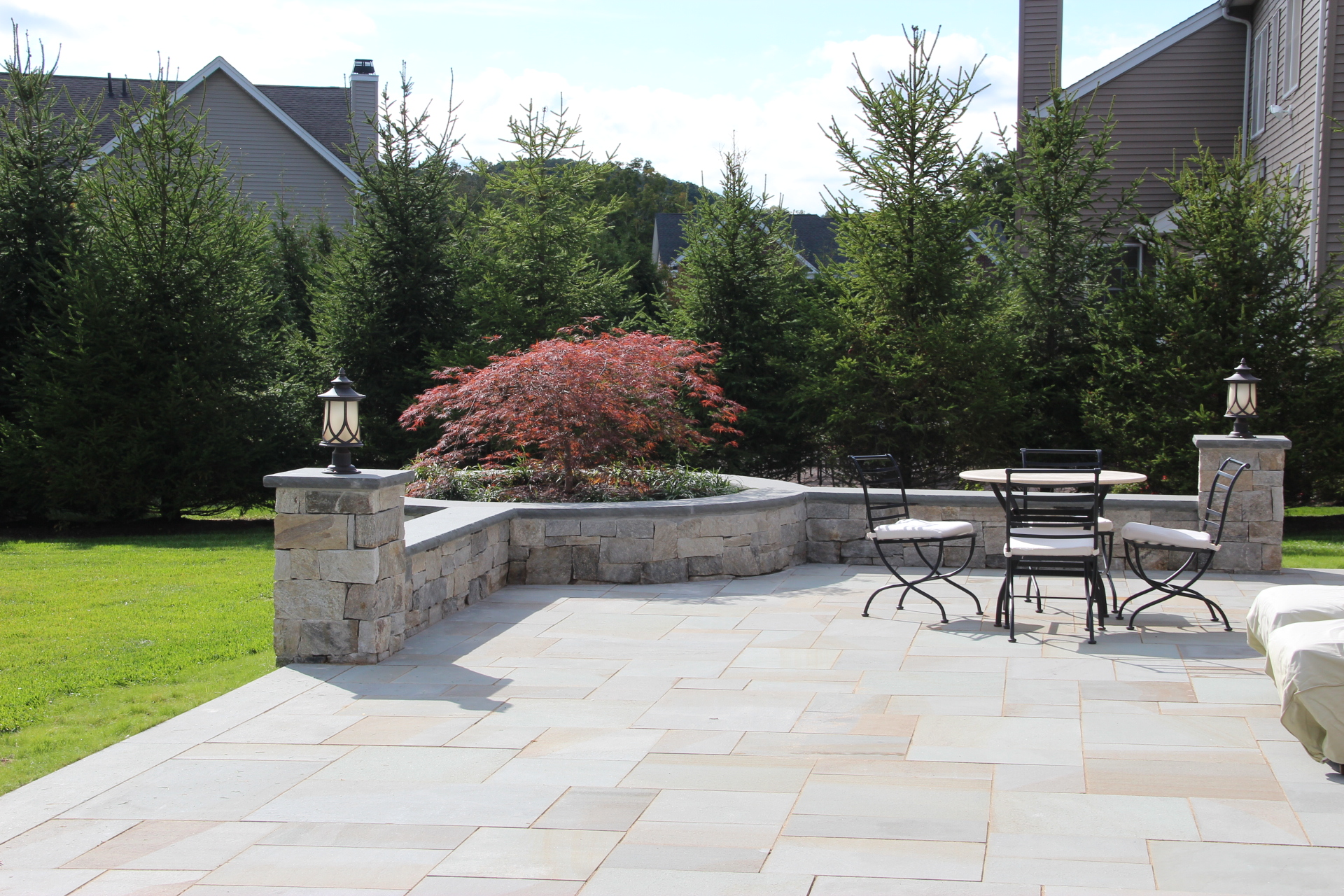 Planning a Backyard Remodel? Read These Landscape Construction Ideas