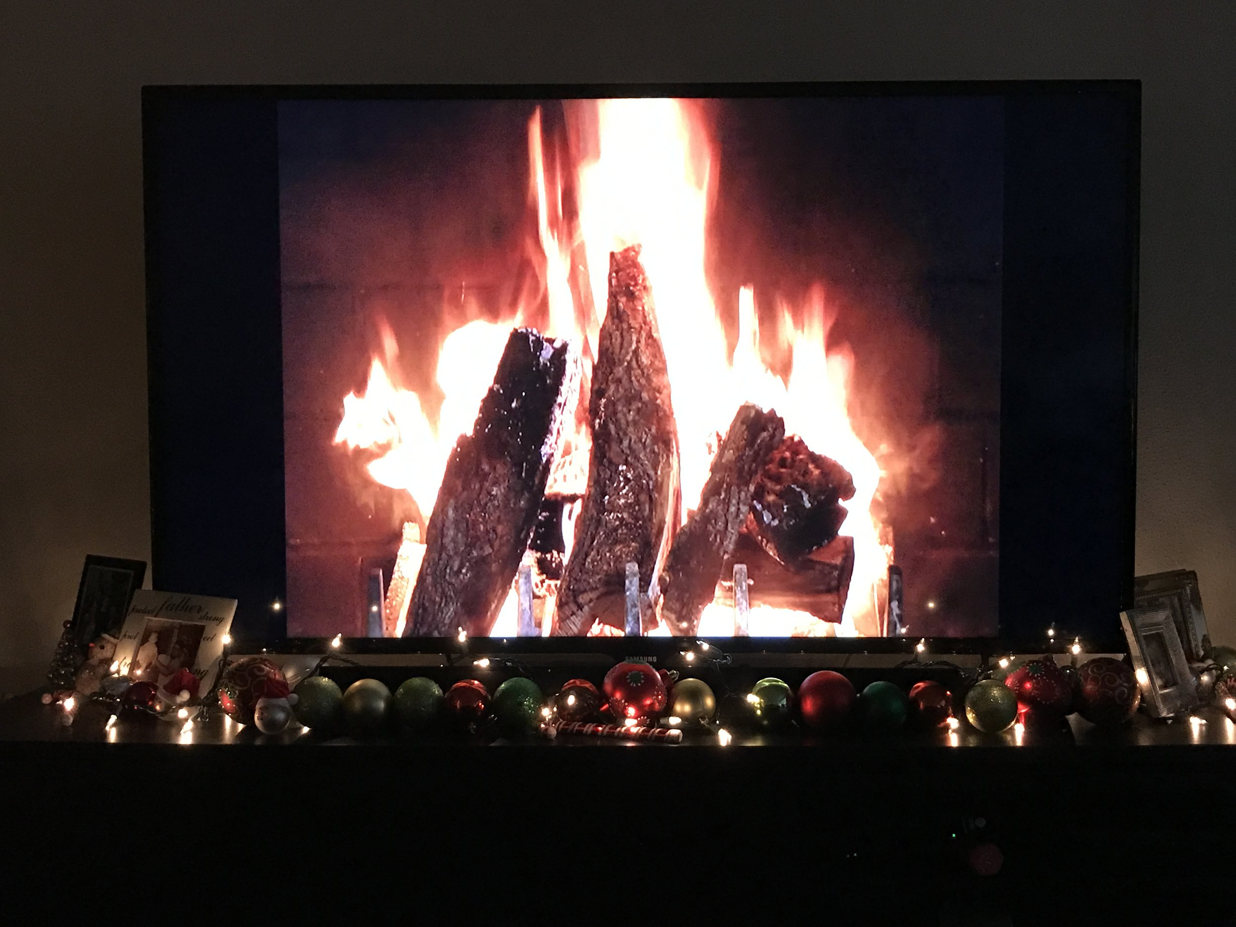 christmas decor 4.jpg