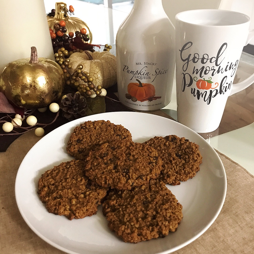 Pumpkin-chocolate chip oatmeal cookies (Paleo except for the oats!).