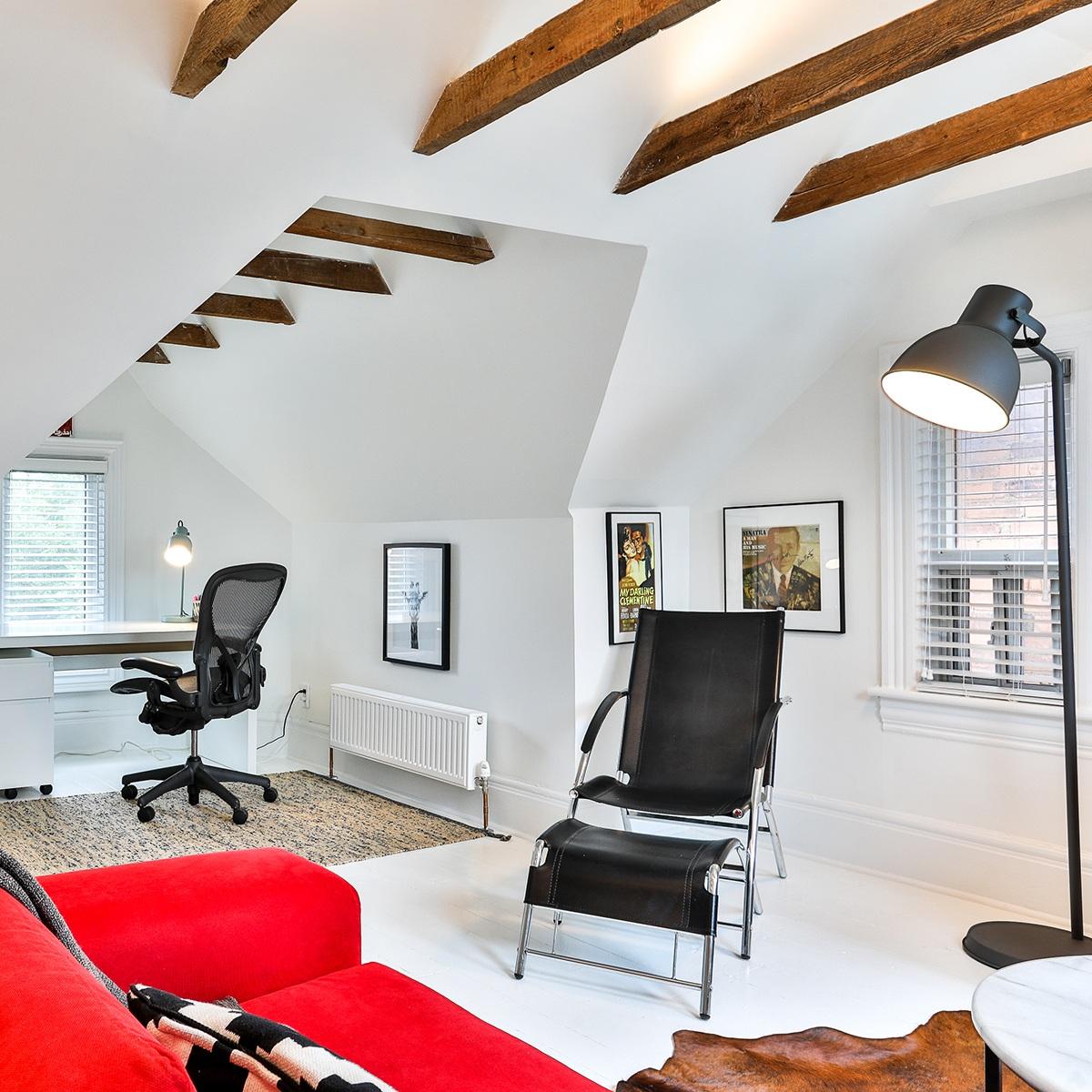 Dovercourt House Upper  2 Bedroom | One Bath   November 2019