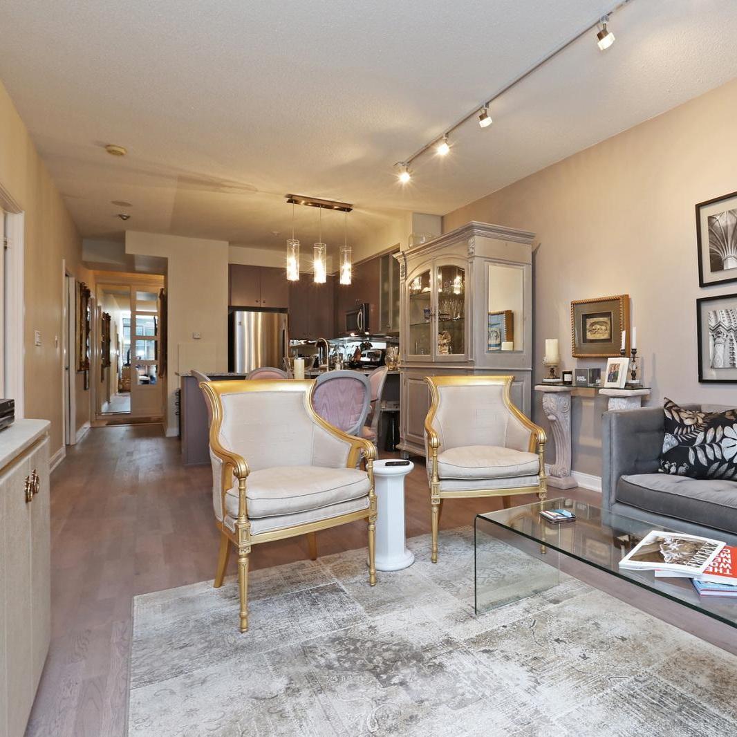 Yorkville Apartment  One Bedroom | Den | One Bath   September 2019