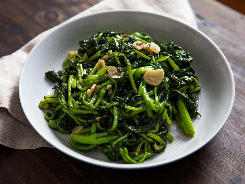 20160505-sauteed-broccoli-rabe-vicky-wasik-6.jpg