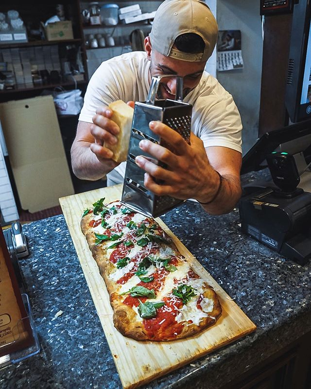 Do What Makes You Happy And You Will Never Work A Day In Your Life. 🍕 . . . #quattrostagioni #eat #eatfamous #eatupnewyork #foodie #foodstagram #forkyeah #foodporn #nycfoodie #goodeats #foodblogger #eatingfortheinsta #foodgasm #thedailybite #bites #zagat #yum #yumm #foodbeast #pizza #pizzamania #pizzapics #pizzapizza #lovefood #pasta #pastapasta