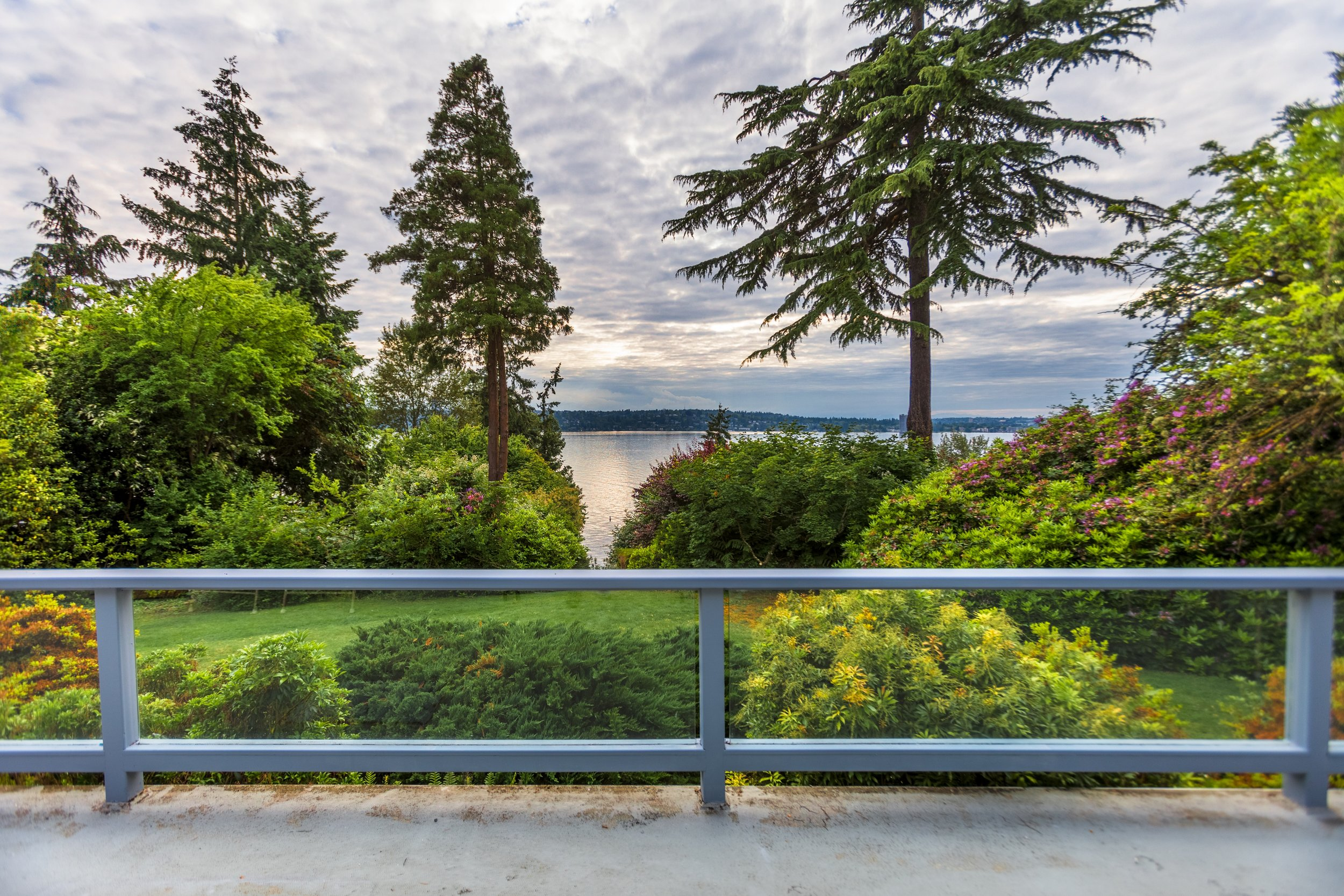 1221 Evergreen Point Rd, Medina | $5,888,000