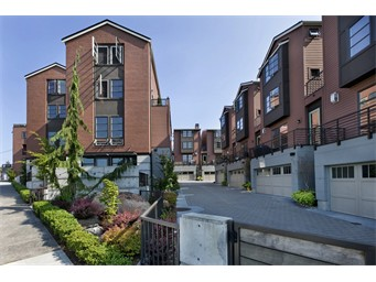 3213 W Lynn St, Seattle | $815,000