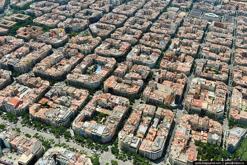 Aerial image of Eixample  |  Images via  Amusing Planet