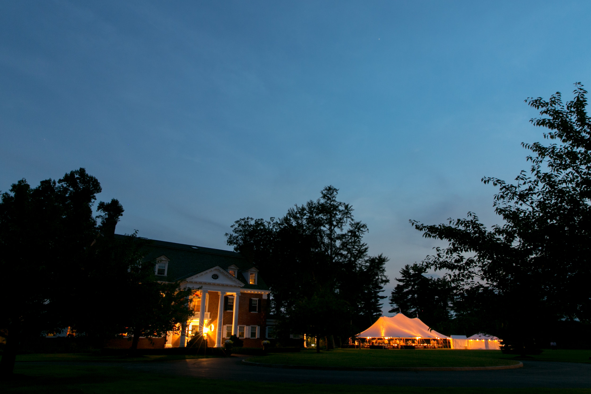 Dinner and dancing took place under a crisp sailcloth tent adjacent to the main house.