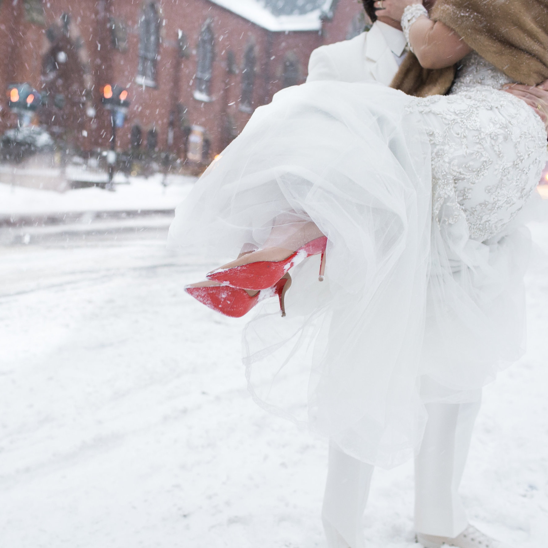 Snow added extra sparkle to a luxurious city wedding.