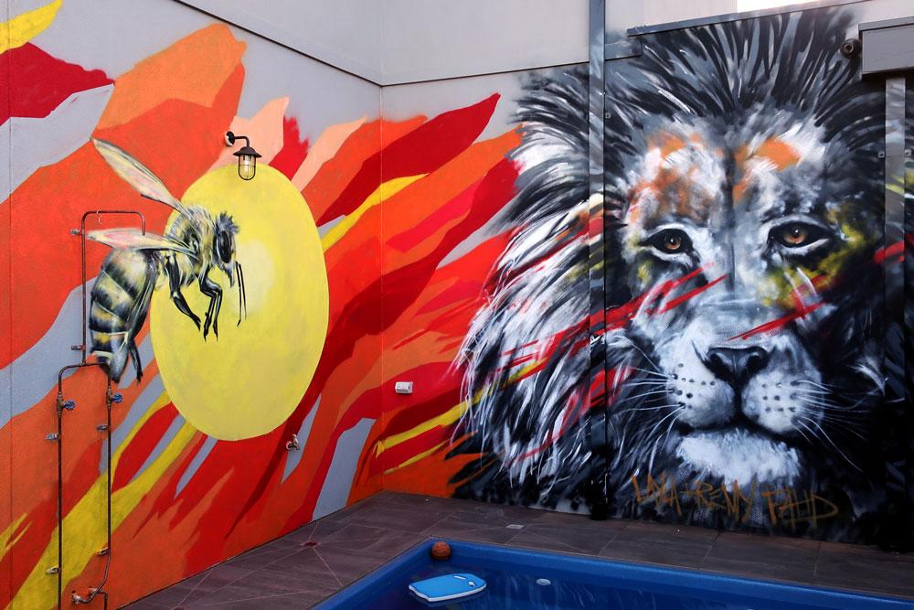 lion_bee-1.jpg