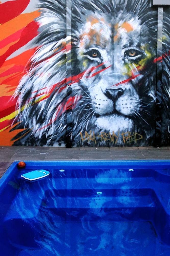 lion_bee-3.jpg