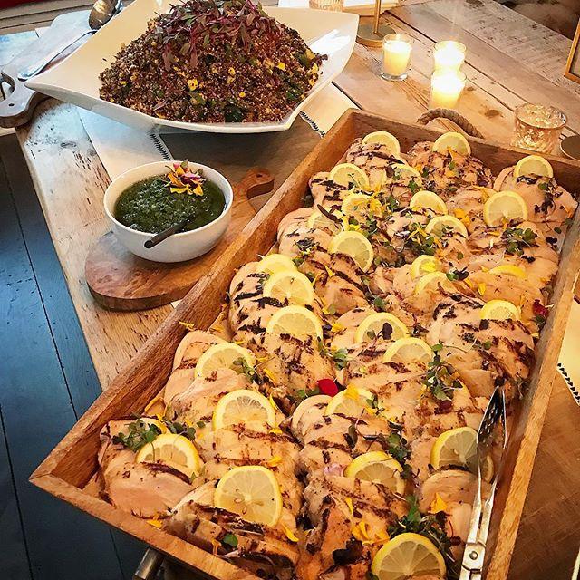 #grilledchicken #quinoa #summer #buffet 🌞 . . #partyfood #losangelescatering #glutenfree #chefcordelia #maliboulakelodge #luxurylifestyle #cleaneating #beverlyhills #laevents #eventprofs