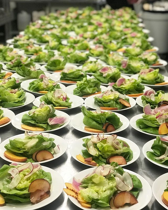 🐇 🥗 #cleaneating #partyfood #laevents #weddingcatering #lacaterer #malibuwedding #losangelescaterer #maliboulakelodge #chefcordelia