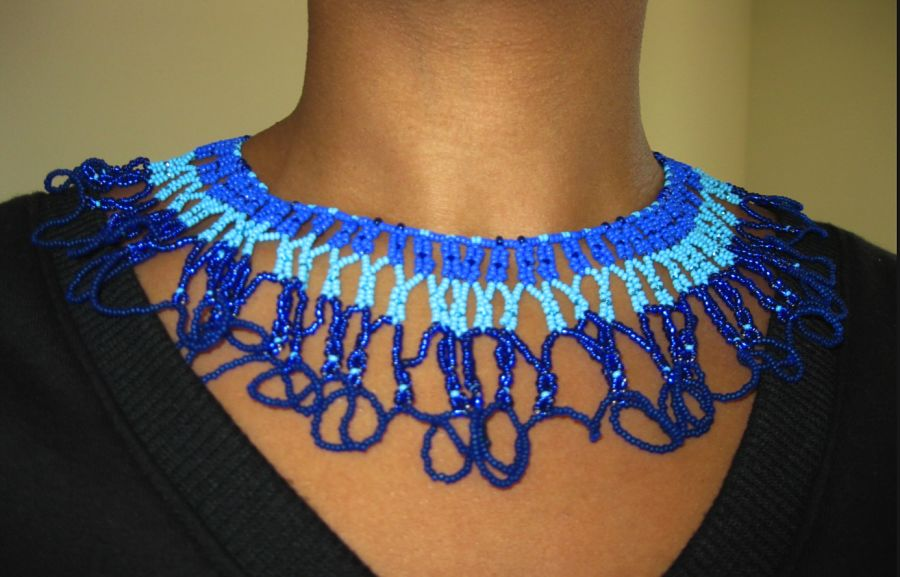 blue-beaded-necklace-ta-meu-bem_16839892817_o.jpg