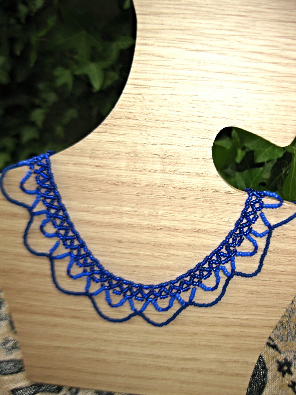 blue-seed-beads-necklace_17021817746_o.jpg