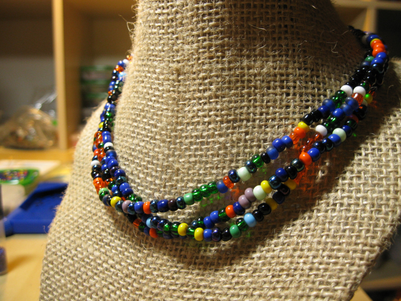 large-seed-beads-necklace-by-ta-meu-bem_16425370424_o.jpg