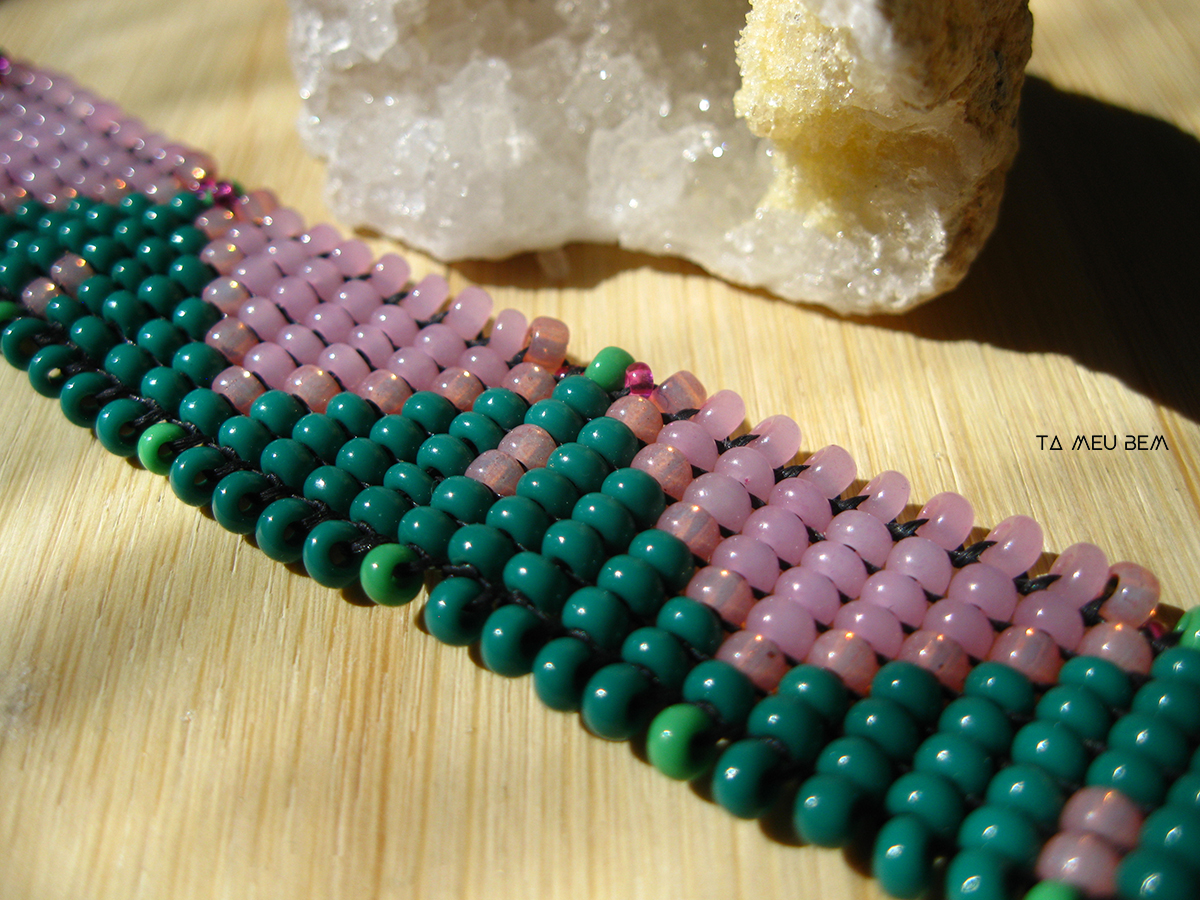 pink and green beaded choker ta meu bem.jpg