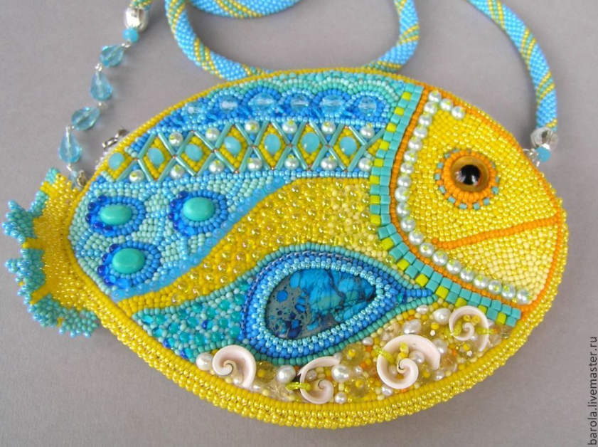 beaded+purse+by+Olga.png
