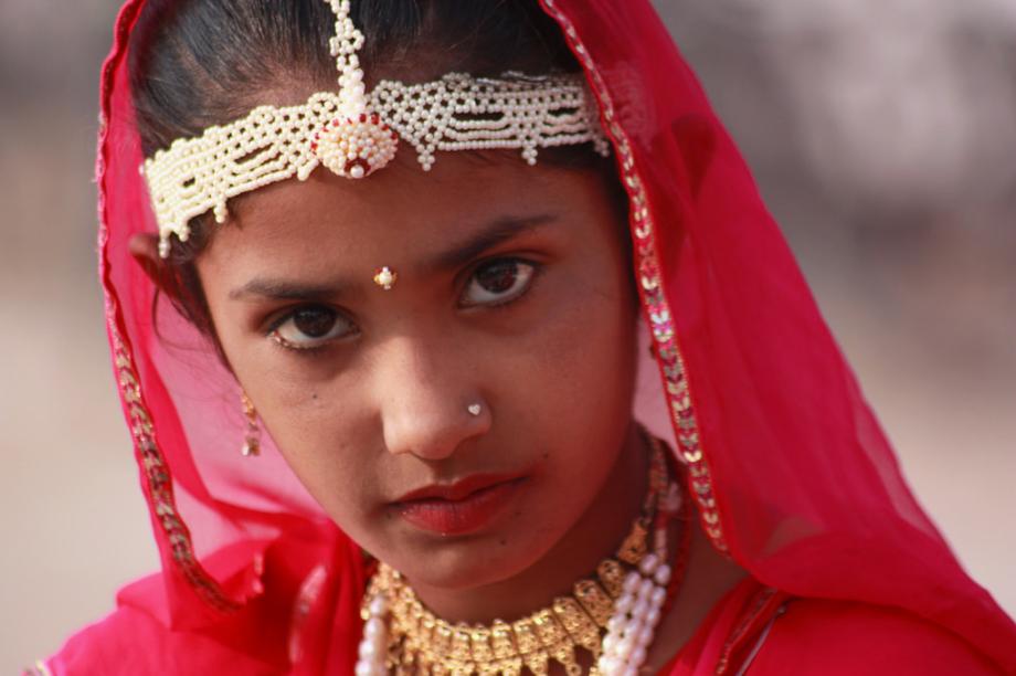 indian+beadwork+headdress+adorned.jpg